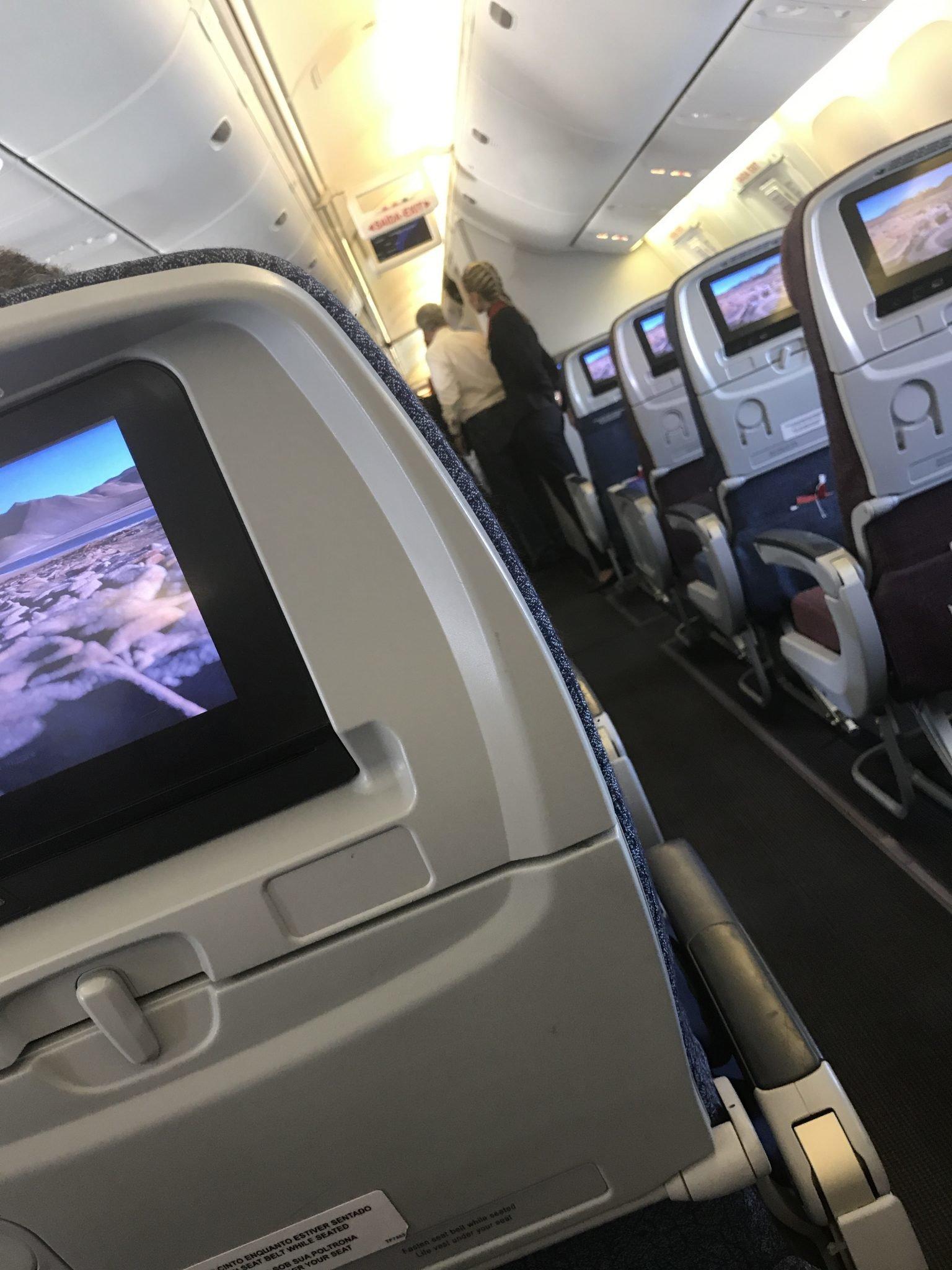 Quais os direitos dos passageiros no caso de atraso de voo?