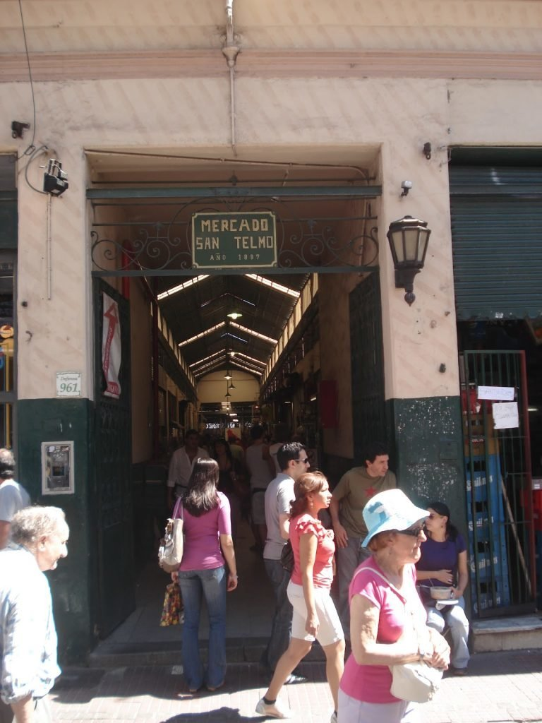 Mercado de San Telmo, no bairro