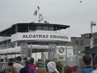 Barca Alcatraz Cruises