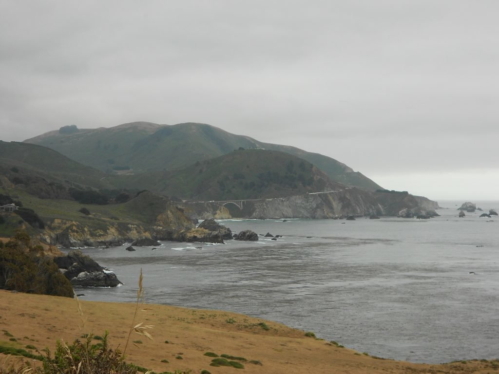 de carro pela costa da califórnia
