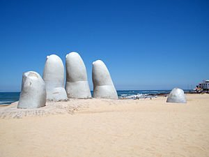 escultura Las manos