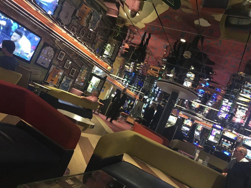 Bar e Cassino - Monarch, Pullmantur