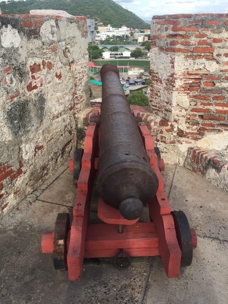 Canhão no Castelo de San Felipe de Barajas