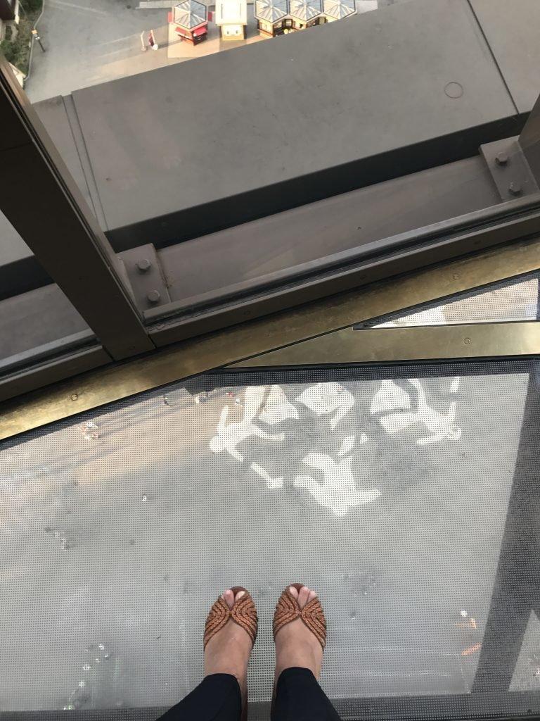 Chão de vidro da Torre Eiffel