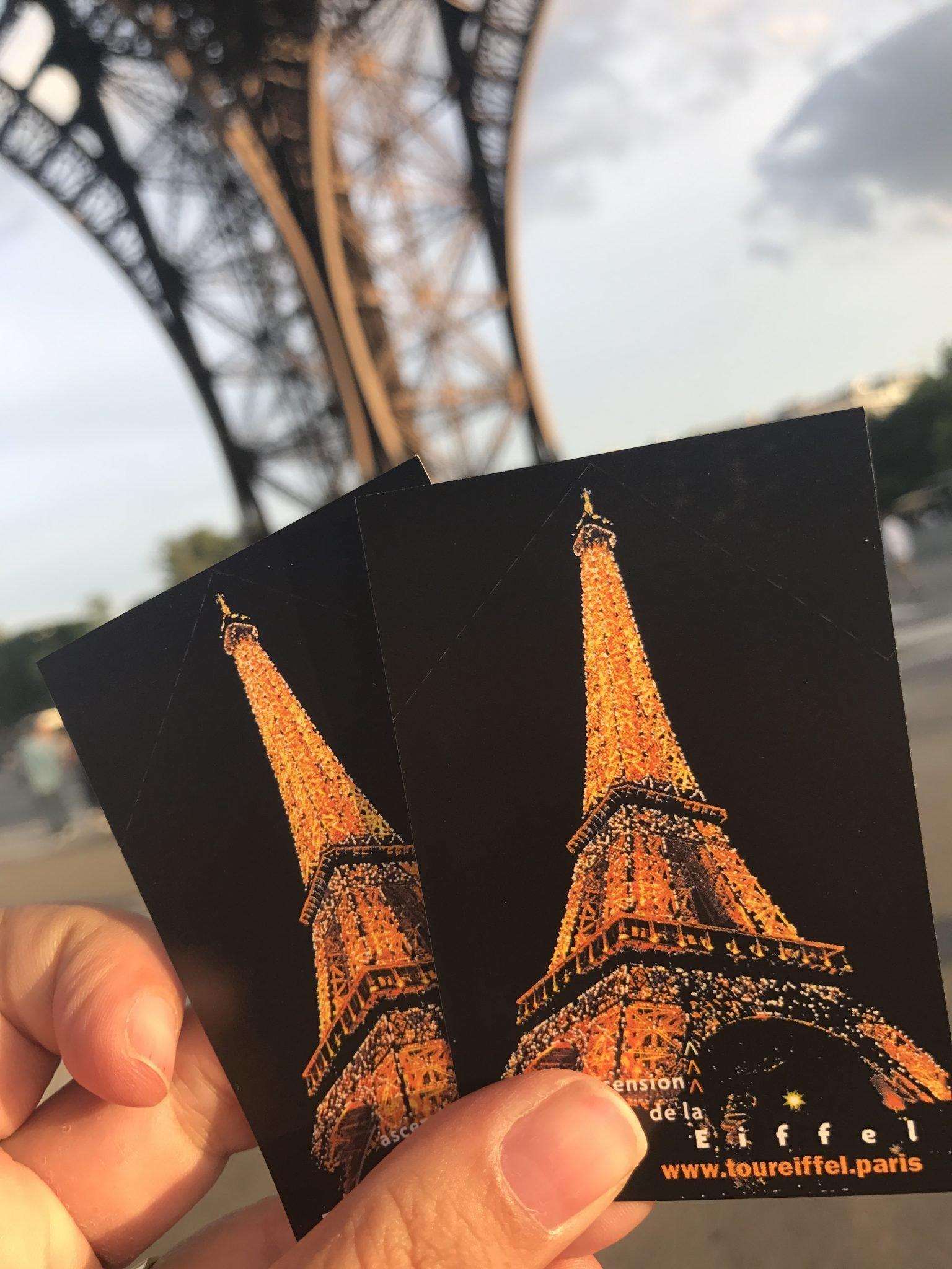 O jantar na Torre Eiffel