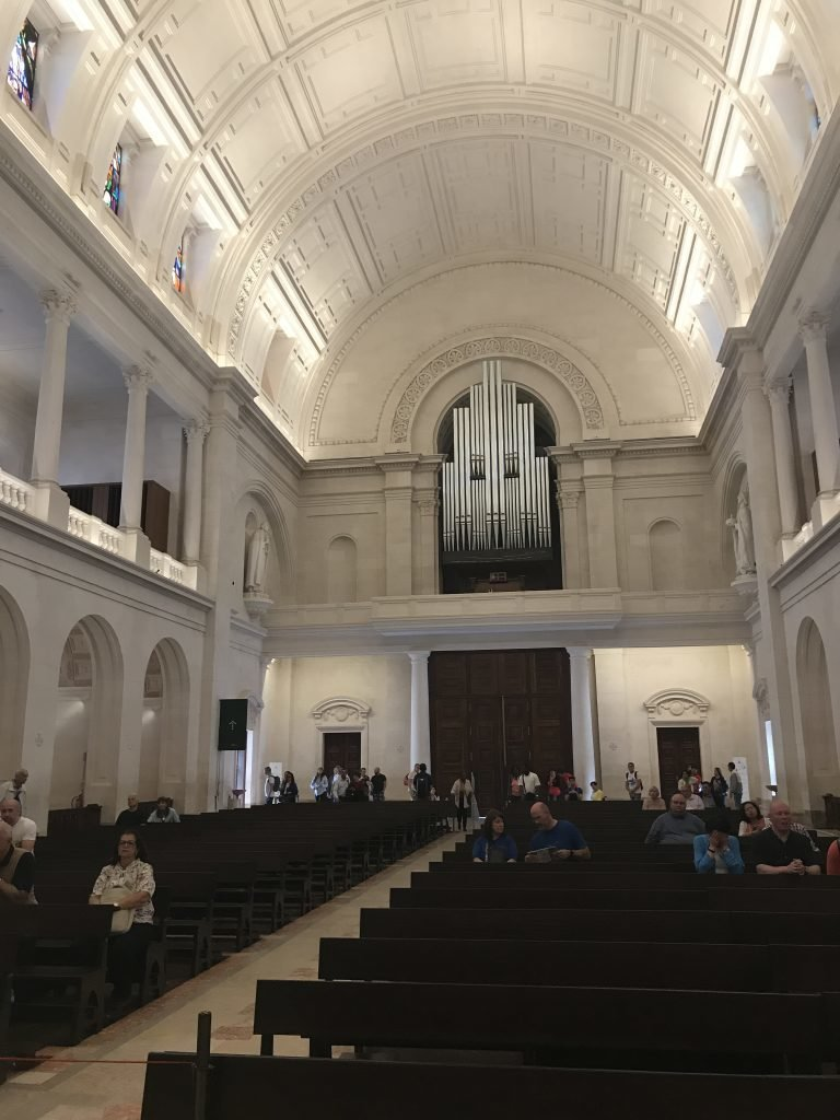 Basílica Nossa Senhora de Fátima por dentro, Portugal
