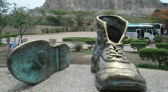 Monumento dos Sapatos Velhos