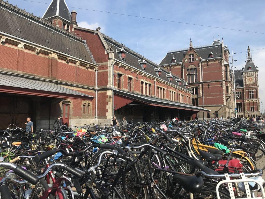 As bicicletas em Amsterdam