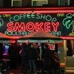 Amsterdam: uma visita a um coffeeshop
