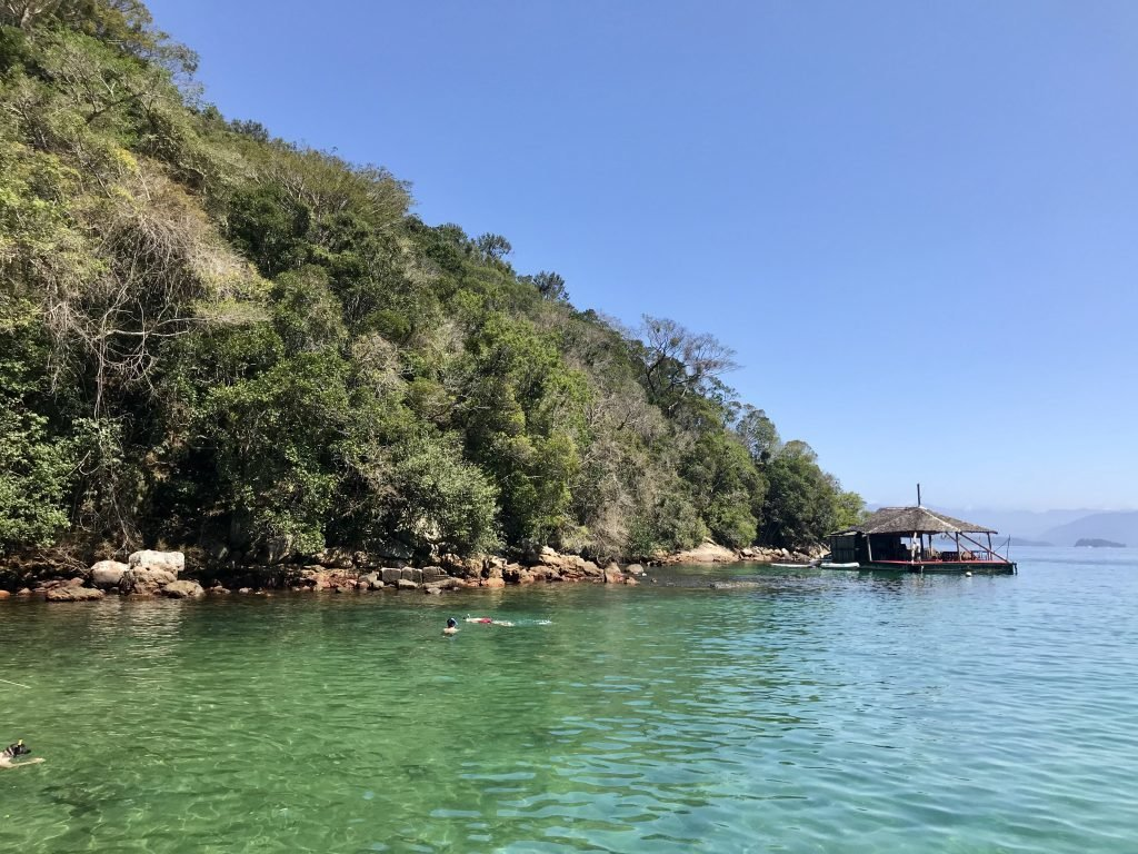 Lagoa Verde e o bar flutuante