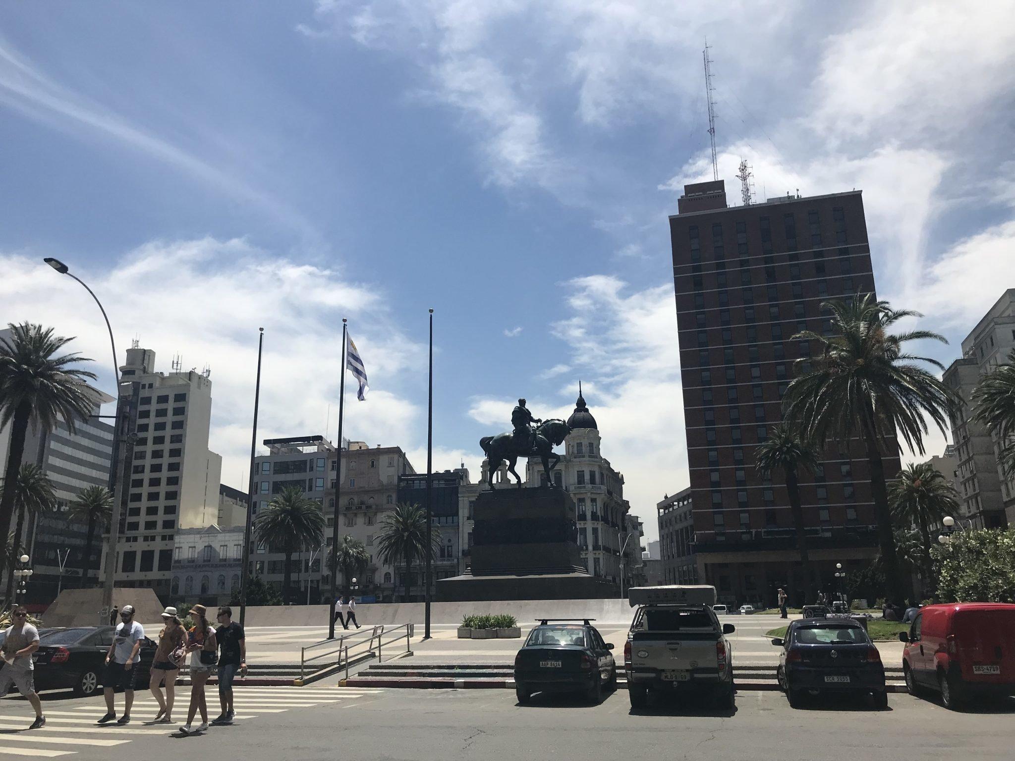 A Praça da Independência em Montevideo