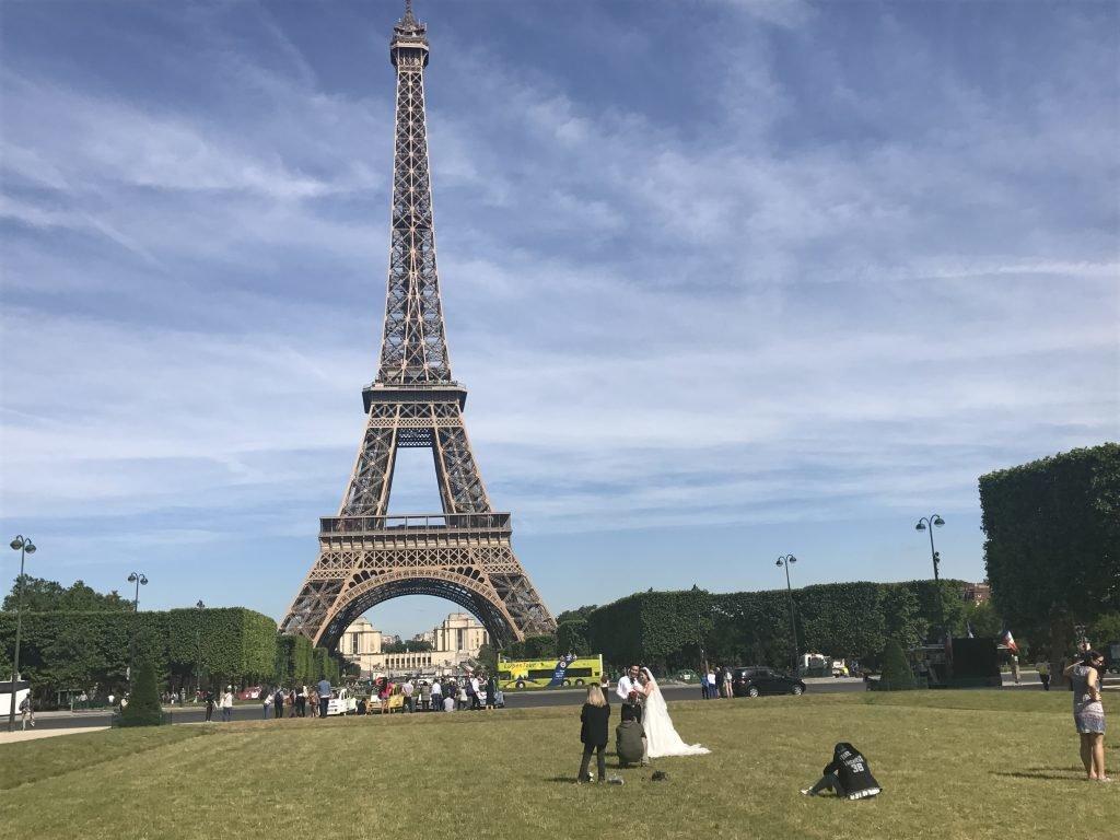 Paris e sua torre - cenário para casamentos