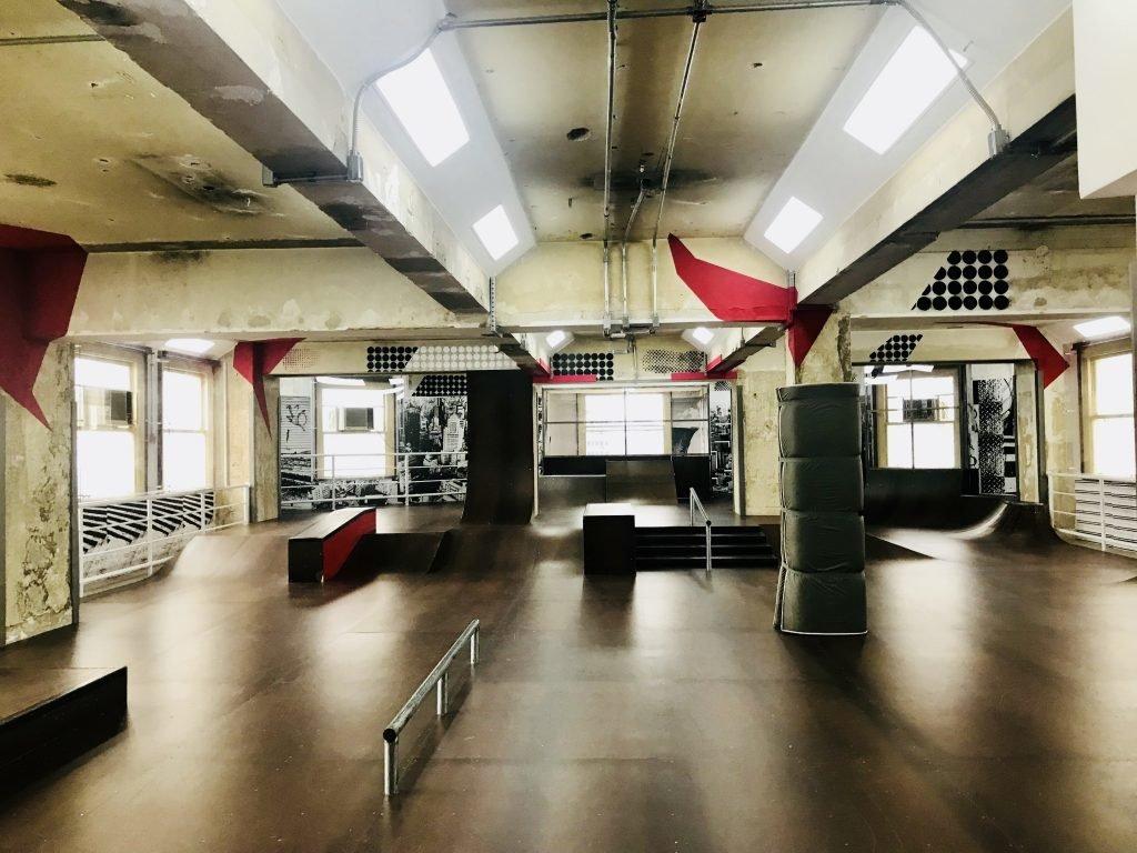 pista de skate no Farol Santander em SP
