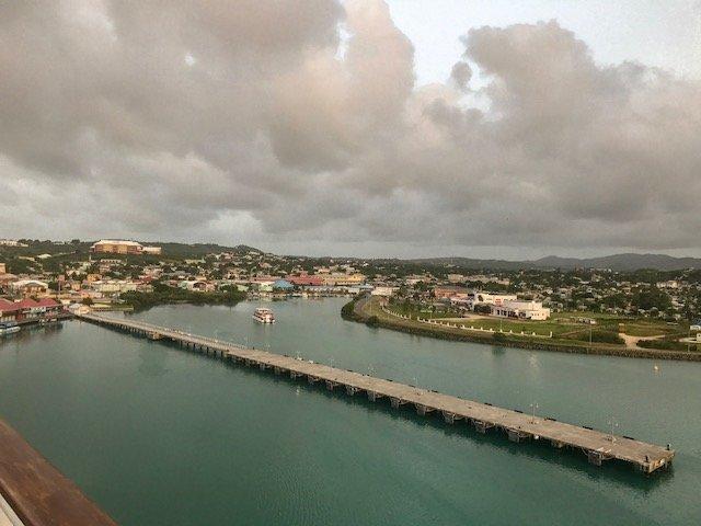 Chegando de navio em Antigua