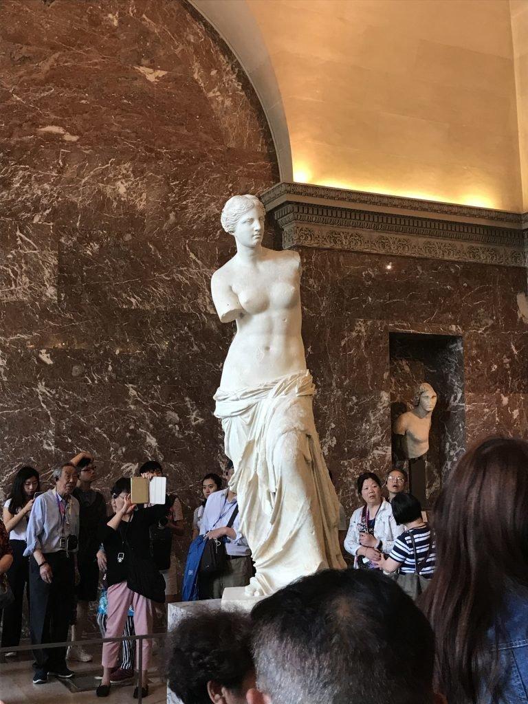 Conhecendo o museu do louvre - Venus de Milo