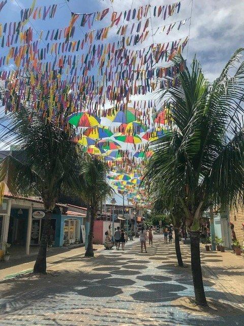 Vila De Porto De Galinhas E A Rua Dos Guardas Chuvas