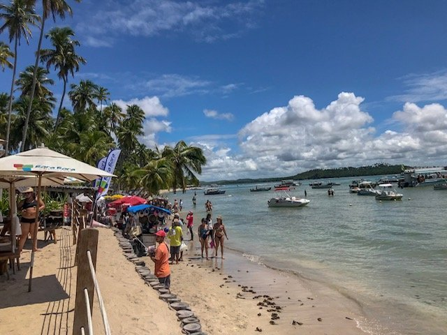 Praia Dos Carneiros E Os Catamarãs