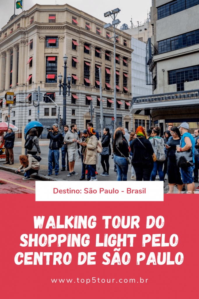 Walking Tour Do Shopping Light
