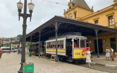 Que tal um passeio de bonde em Santos/SP?